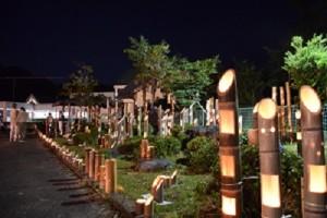 幻想的な竹灯篭の灯り